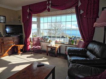 The lounge in Lakeshore B&B